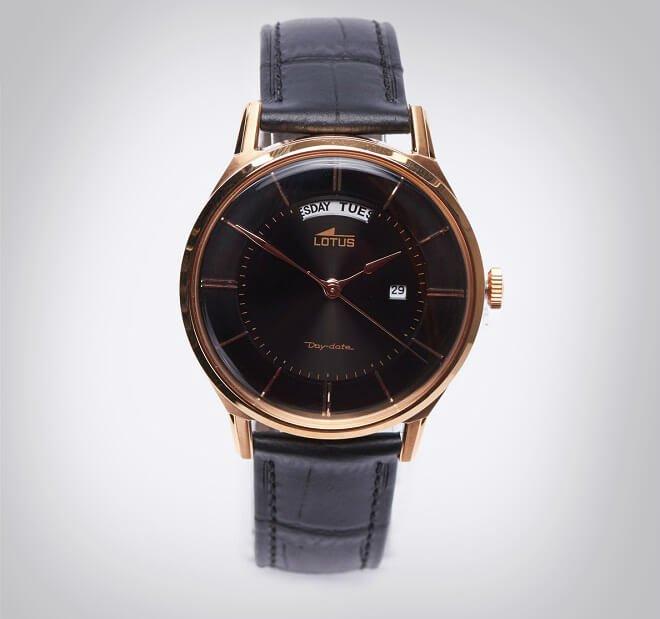 svart klassisk klokke til herre